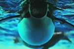 Emporer-Penguin-underwater-swimming