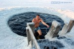 Extreme-Winter-Swimming-in-Murmansk-Russia