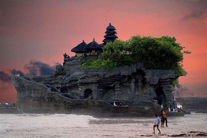 pura-tanah-lot-sea-temple-bali-indonesia
