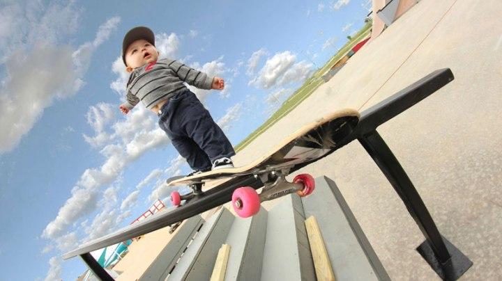 baby-on-skateboard-grinding-rail