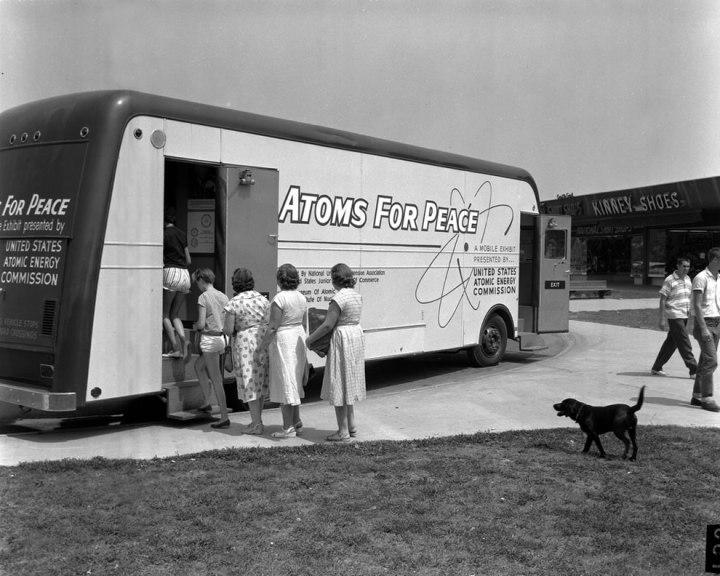 Atoms-For-Peace-Traveling-Exhibit-in-Oak-Ridge-1957