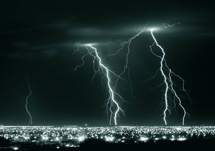 long-exposure-lightning-at-night-hermosillo-mexico