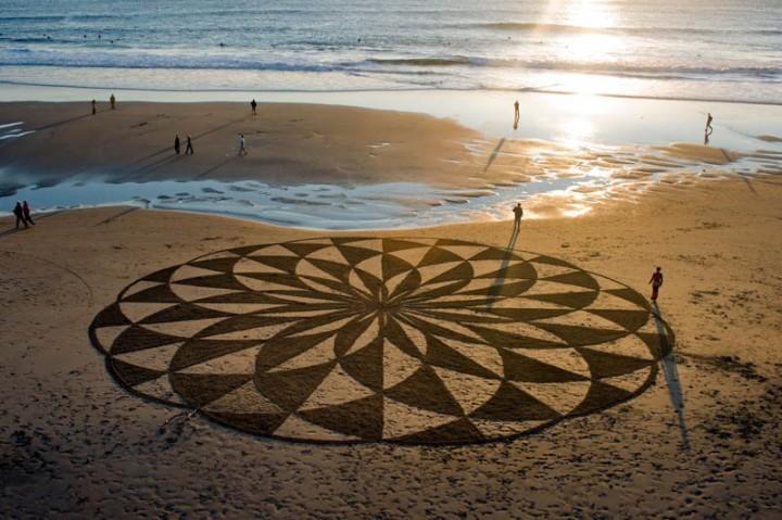 sand-beach-art-andres-amador-8