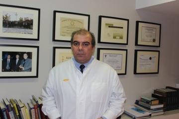 Ο κ  Ιωάννης Πολυθοδωράκης, νευροχειρορυγός  Γραμματέας της Παγκόσμιας Εταιρείας Σπονδυλικής Στήλης,