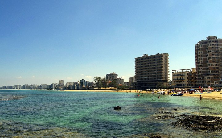 Varosha-once-a-popular-and-modern-tourist-hotspots-in-Famagusta-Cyprus-is-now-a-crumbling-ghost-city