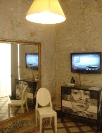 LUCIA-NOVA-A-UNIQUE-NO-HOTEL-EXPERIENCE_p11