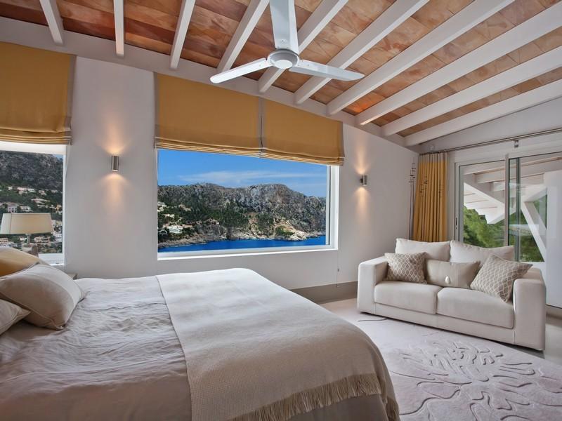 Luxury-villa-with-Spectacular-Sea-Views-in-Cala-Marmacen_p10
