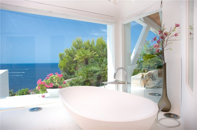 Luxury-villa-with-Spectacular-Sea-Views-in-Cala-Marmacen_p13