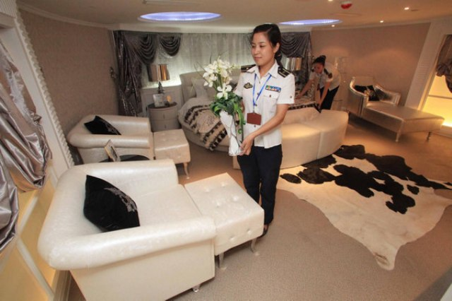 Tianjin-Aircraft-Carrier-Hotel_p04
