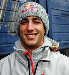 220px-Daniel_Ricciardo_2011