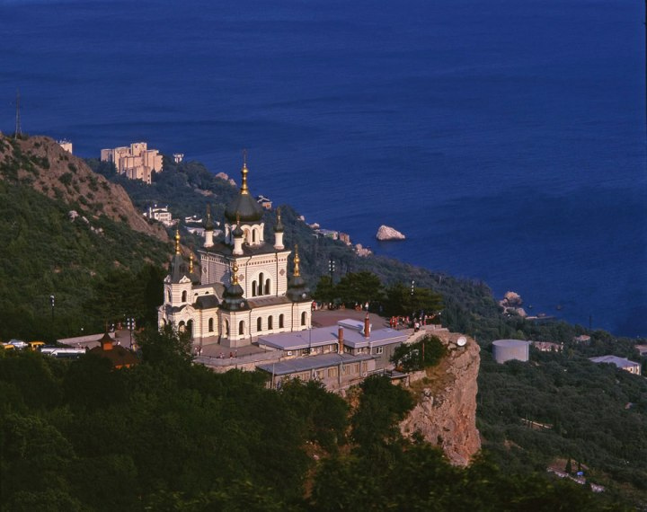 Church-of-Christs-Resurrection-in-Foros-Crimea